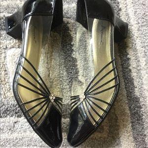 Annie Shoes NWOT